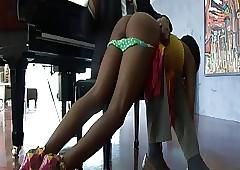 Upskirt porn clips - xxx ebony girls